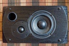 Högtalare eller ljudsignalhögtalare på inspelningstudion - bästa sikt royaltyfria bilder