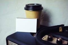 Högtalare för Portable för kort för affär för Closeupbuntmellanrum Vitbokmodellen, Kraft tar bort bakgrund för väggen för kaffeko arkivfoton