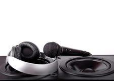 Högtalare, mikrofon och hörlurar Royaltyfria Bilder
