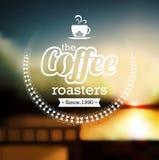 Högvärdig kaffeetikett över defocusbakgrund Royaltyfria Foton