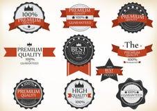 Högvärdiga kvalitets- och garantietiketter med retro tappning utformar royaltyfri illustrationer