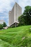 Högväxt byggnad i i stadens centrum Kansas City Missouri fotografering för bildbyråer