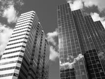 högväxt byggnader Arkivbilder