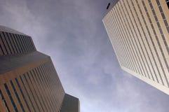 högväxt byggnadsmontrealtwo Arkivfoto