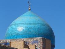 Högväxt islamisk minaret av Kalyan Mosque Royaltyfria Bilder