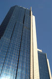 högväxt modern skyskrapa arkivbilder