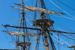högväxt rigging ship Arkivfoto