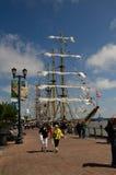 Högväxt skepp som anslutas i New Orleans Royaltyfria Foton