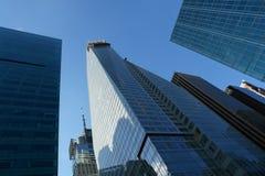 högväxt skyskrapor Arkivfoto