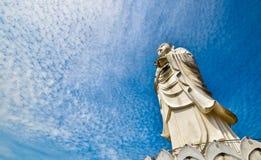 högväxt staty 100-foot av en stående Buddha på den Phothikyan Phutthaktham templet Bachok kelantan Malaysia Fotoet togs 10 /2/201 Arkivfoton