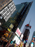 Högväxt Times Square Royaltyfri Foto