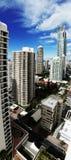 högväxt torn för lägenhetpanoramasemesterort Royaltyfri Foto