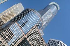 högväxt torn för minneapolis kontor Royaltyfria Bilder