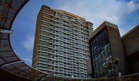 Högväxta arkitektoniska torn och skyskrapor arkivbilder