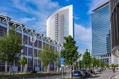 Högväxta byggnader i stadsområde av den moderna staden Fotografering för Bildbyråer