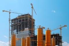 Högväxta byggnader under konstruktion Royaltyfri Fotografi