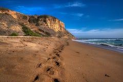 Högväxta klippor av Rancho Palos Verdes Beach royaltyfri bild