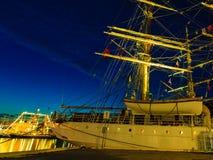 Högväxta skepp springer i hamn på Juli 26, 2014 i Bergen, Norge Fotografering för Bildbyråer