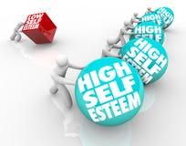 Höhe gegen niedrige Selbstachtungs-Schlusses Rennen des Vertrauens Stockbild