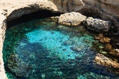 Höhle Grotta-della poesia, Roca Vecchia, Salento-Seeküste, Ita Stockfotografie
