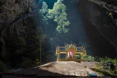 Höhle Phraya Nakhon Stockfotos