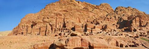 Höhlen in verlorener Stadt der Welt wundern sich PETRA, Jordanien Stockbild