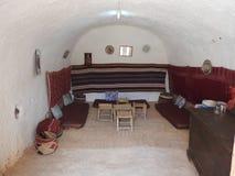 Höhlenbewohnerhäuser und Untertagehöhlen der Berbers in Sidi Driss, Matmata, Tunesien, Afrika, an einem vollen Tag stockfotos