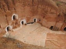 Höhlenbewohnerhäuser und Untertagehöhlen der Berbers in Sidi Driss, Matmata, Tunesien, Afrika, an einem vollen Tag lizenzfreie stockbilder