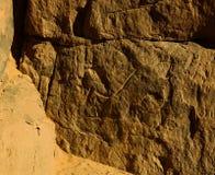 Höhlenmalereien und Petroglyphen bei Tegharghart in Tassili-nAjjer Nationalpark in Algerien Lizenzfreie Stockbilder