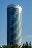 höjd som bygger det höga moderna kontoret royaltyfri foto