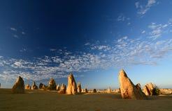 Höjdpunktökenlandskap på soluppgång Nambung nationalpark cervantes Västra Australien australasian Arkivbilder