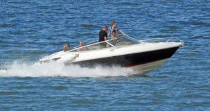 Höjdpunkt driven snabb motorbåt Fotografering för Bildbyråer