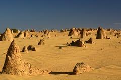 Höjdpunkter deserterar sceniskt landskap Nambung nationalpark cervantes Västra Australien australasian Arkivbild