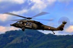 Hök för svart UH-60 royaltyfria bilder
