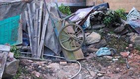 Hölzern drehen Sie herein einen verlassenen und ländlichen Platz Stockfoto