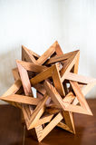 Hölzerne Abstraktion von Dreiecken Lizenzfreies Stockfoto