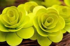 Hölzerne Blumen stockbild