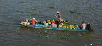 Hölzerne Boote auf dem Mekong in Vietnam Stockbild