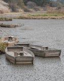 Hölzerne Boote im Sumpf Stockfoto