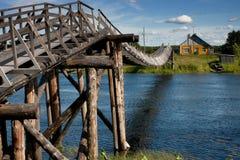 Hölzerne Brücke der Weinlese Stockbilder