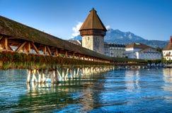 Hölzerne Brücke in Luzerne Stockbilder