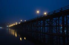 HÖLZERNE Brücke VON THAILAND Stockbild