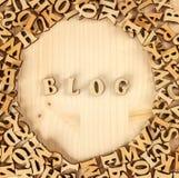 Hölzerne Buchstaben, Blogschaffung, das englische Alphabet Screensaver stockfotografie