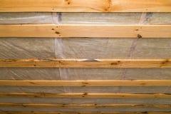 Hölzerne Decke im Haus als Hintergrund Stockbilder