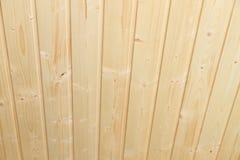 Hölzerne Decke im Haus als Hintergrund Lizenzfreie Stockbilder