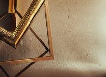 Hölzerne dekorative Rahmen für Bilder Lizenzfreie Stockfotos