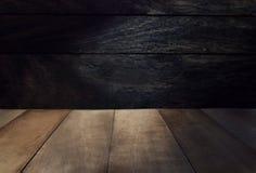 Hölzerne dunkle Hintergrundphotographie Stockbilder