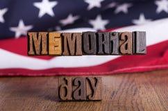 Hölzerne Fahne Memorial Day s Stockfotografie