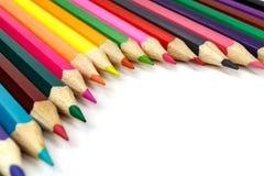 Hölzerne Farbe zeichnet auf einem weißen Hintergrund, Ansicht schräg an Lizenzfreies Stockfoto