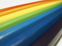 Hölzerne farbige Bleistifte für Zeichnung Stockbilder